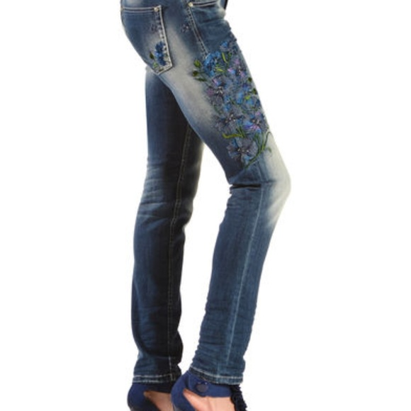 Grace Denim - Grace in LA Floral Embroidery Skinny Jeans